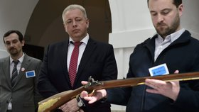Nechte nám pistole! Česko podá žalobu na směrnici EU o omezení zbraní
