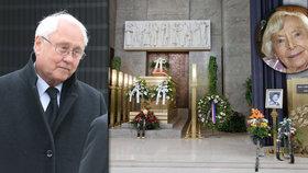Satoranský nad rakví Havelkové (†92): Při objetí jí zlomil žebra!