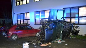 Neuvěřitelná nehoda na Vsetínsku: Mladíci způsobili škodu za téměř 200 000!