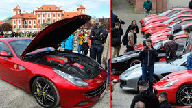 Luxus za 370 milionů: Prahou projelo 35 vozů Ferrari