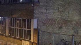Tragický spor v nočním klubu: Rozzuřený muž postříkal dav Londýňanů kyselinou