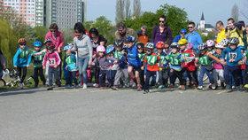 Malí i velcí cyklisté přivítají jaro. V Praze 13 se koná Butovický rohlík