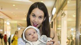 Míša Tomešová z Ulice: Osm týdnů po porodu s miminkem na akci! Tři kila mi zůstala v prsou