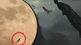 Mozkomor z Harryho Pottera na Měsíci? Svět řeší podivný vesmírný úkaz