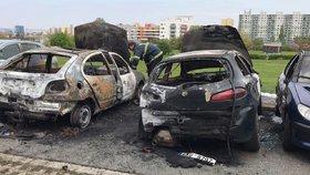 V Praze někdo podpaluje auta. V noci hořela ve Vršovicích i na Opatově