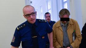 Neplatič nájmu pobodal majitele chatky v kolonii Višňovka: Soud mu uložil 12 let