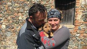 Zoufalí páníčkové nabídli motorku za ukradené štěně! Ferdíka zloději vrátili