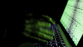 V okolí Česka se šíří nebezpečný virus, který má spadeno na vládní počítače