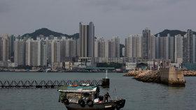 """Za znevážení čínské hymny až tři roky """"basy"""". Hongkong chystá ostrý zákon, padne i na děti"""