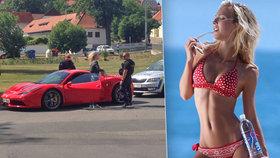 Sexy modelku Jelínkovou zadržela policie: Posvítili si na její ferrari!