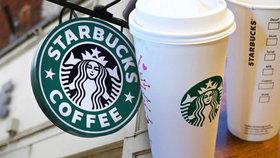 Žena vysoudila 2,5 milionu za popálení kávou: Obsluha ji nevarovala, že se to může stát