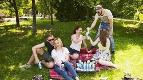 Jak se během léta zaručeně osvěžit? Seznamte se s nápoji, které letí!