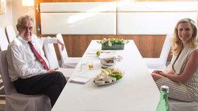 Zeman chce, aby prezident mohl navrhovat zákony. S Valachovou řešil ústavní úpravy