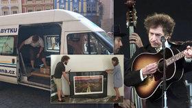 Ručně malované obrazy Boba Dylana (76) přivezli do Prahy: Výstava začne ve středu