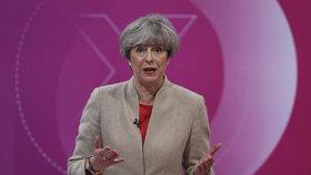"""""""Mám na to koule."""" Mayová bojuje o voliče, Corbyna vyprovokovaly jaderné zbraně"""