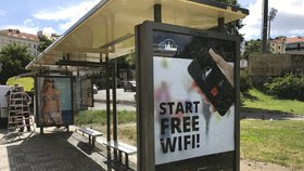 V Praze je 320 přístřešků MHD s možností připojení k wi-fi. Funguje zatím jen třetina
