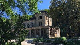 Rekonstrukce Šlechtovy restaurace v plném proudu: Hrubé práce jsou hotové