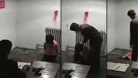 Šokující mučící praktiky z KLDR: Bití i kopání spoutané ženy do hlavy kvůli sexu s Číňanem