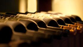 Víno pro fajnšmekry: Dozrává v lahvích 20 metrů pod hladinou jezera