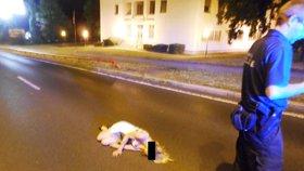 Srazilo ji pár skleniček: Petra (38) si v Ústí ustlala přímo na silnici
