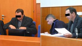 """Učitel z Chomutovska před soudem: Měl mít sex s žačkou sedmé třídy, """"odkytičkoval"""" ji"""