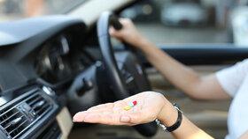 Nevolnost na cestách: Víte, jak si vybrat správné místo v dopravním prostředku?