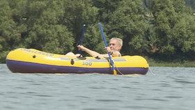 Zemana čeká smutné léto: Ve člunu na Vysočině, ale bez tří kamarádů