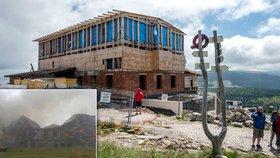 """Petrova bouda vstává z popela. Turisté v Krkonoších můžou """"okouknout"""" stavbu"""
