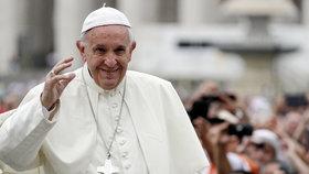 Papež chce lepší vztahy s Ruskem. Posílá za Putinem svého kardinála