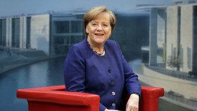 Merkelová chce do sporu s Tureckem o návštěvu vojáků vtáhnout NATO