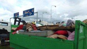 Kam s nepořádkem z domu a zahrady? V Kolovratech a Lipanech přistaví v květnu a červnu kontejnery