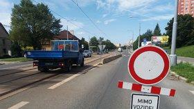 Červencové dopravní omezení na Proseku: V Čakovické bude vznikat okružní křižovatka