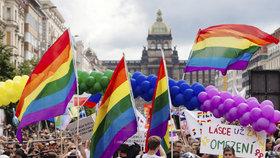 Kde si užít Prague Pride? Na party, na travesti show i v tramvaji