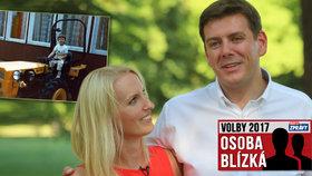 Poslanec Skopeček má víc oblečení než jeho snoubenka. Prospěla by mu vojna, říká o něm
