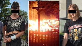 Žháři (oba 18), kteří měli podpálit kostelík v Gutech, zůstanou ve vazbě: Soud je na svobodu nepustí