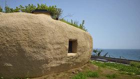Návštěva v Japonsku: Útulná jeskyně s výhledem na oceán