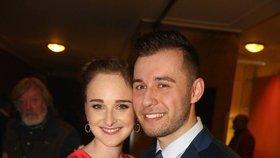 Dcera Karla Vágnera se zasnoubila: Měsíc před porodem!