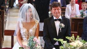 Režisér Snowboarďáků Janák do toho praštil! Na svatbě juchal Hrušínský, Písařík i socha Svobody Kulovaná!