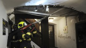 V historickém centru Prahy v noci hořelo: Hasiči zasahovali v restauraci hotelu