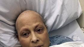 Eva tvrdí, že má z výrobků Johnson & Johnson rakovinu vaječníků. Firma jí má zaplatit 9 miliard