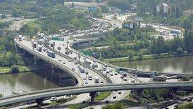 Barrandovský most čeká v dubnu zevrubná diagnostika. Jak se dotkne dopravy?