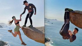 Turistické šílenství? Kvůli perfektní fotce visí lidé nad propastí!