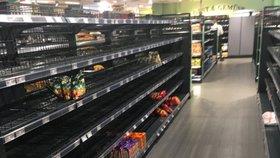 Tohle je rasismus: Supermarket sebral zákazníkům z regálů zahraniční zboží
