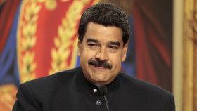 Venezuela v těžké krizi volí prezidenta. Má někdo šanci porazit autoritářského Madura?