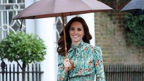 Celebrity na síti: Houdová meditovala ve tmě a  Kate oblékla Pradu