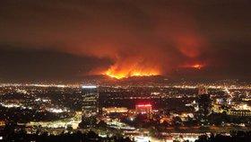 Město andělů se proměnilo v hořící peklo. Ničí ho největší požár v historii
