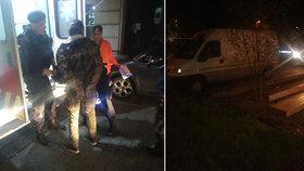 Zfetovaný cizinec vjel dodávkou mezi lavičky: Policistům se snažil ujet