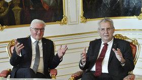 """""""Migranty nechceme."""" Takhle uvítal Zeman německého prezidenta poprvé v Česku"""