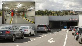O čtyři vteřiny rychlejší! Místo rozvoje parkovišť chce Praha zkracovat proces parkování