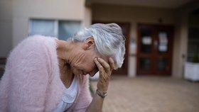 Okrádala bezbranné seniory: »Straku« z Brna (27) chytila policie, má na svědomí 13 případů